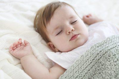 ¿Cuántas horas tienen que dormir los peques según su edad