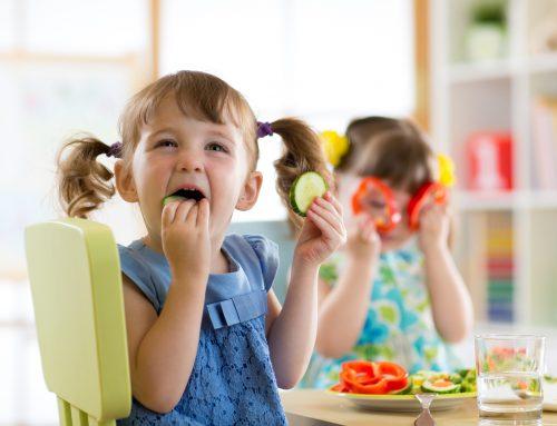 Cómo conseguir que mis hijos coman de todo