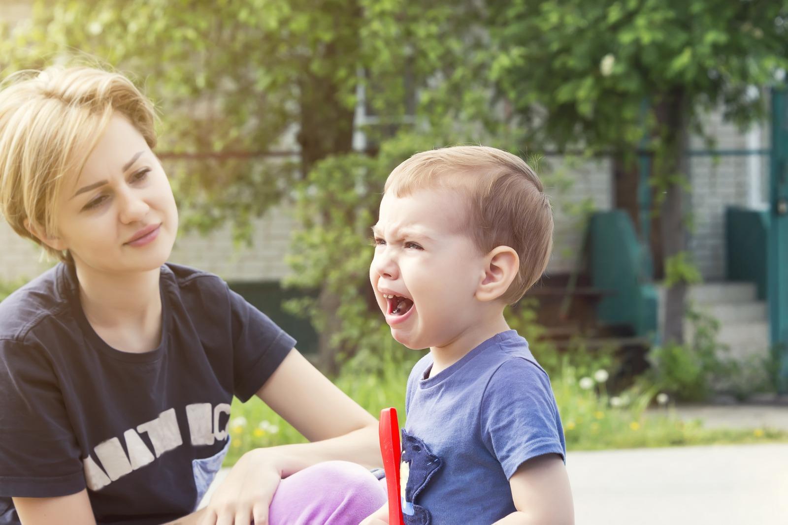 Cómo controlar el llanto con gritos de un niño